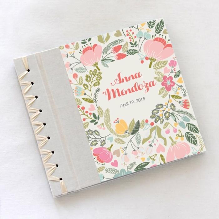 scrapbook personalizado para regalar en una bienvenida de bebé, canastillas para bebes y otros regalos originales