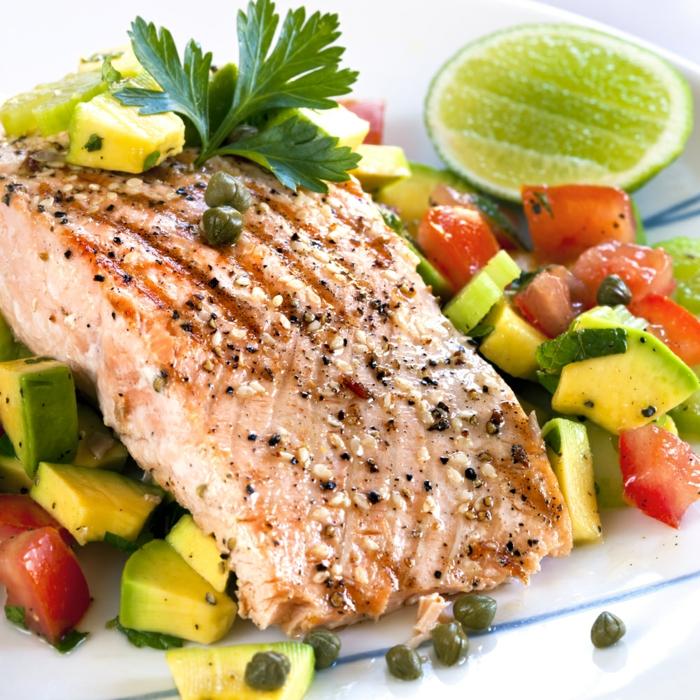 comidas para adelgazar ricas e irresistibles, salmón a la parrlla con especias, verduras y lima, comidas ricas y sanas