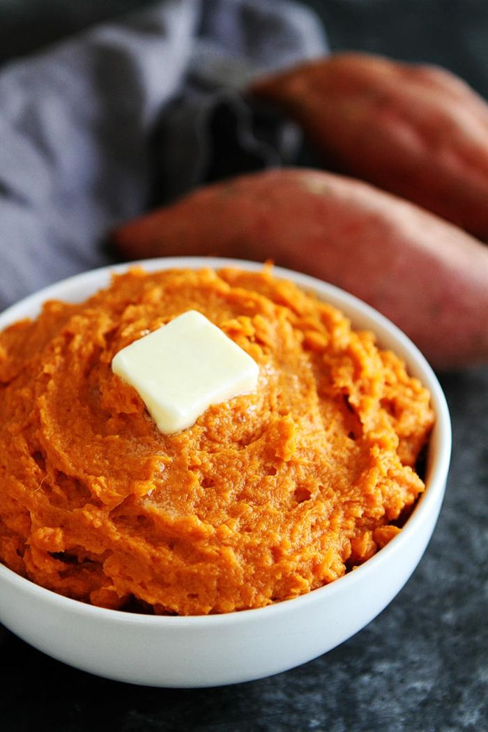 las mejores recetas para un menu semanal para adelgazar, recetas con batatas para perder peso, puré de batatas con mantequilla