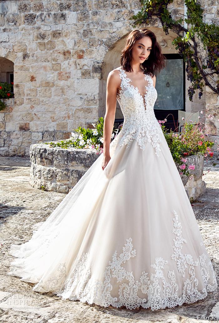precioso vestido de corte princesa en color champán, vestidos corte sirena novia originales y bonitos diseños en mas de 80 fotos
