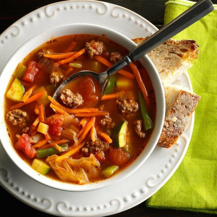 sopa de verduras con albondigas, menus para adelgazar nutritivos y ricos para almorzar, dietas originales para perder peso
