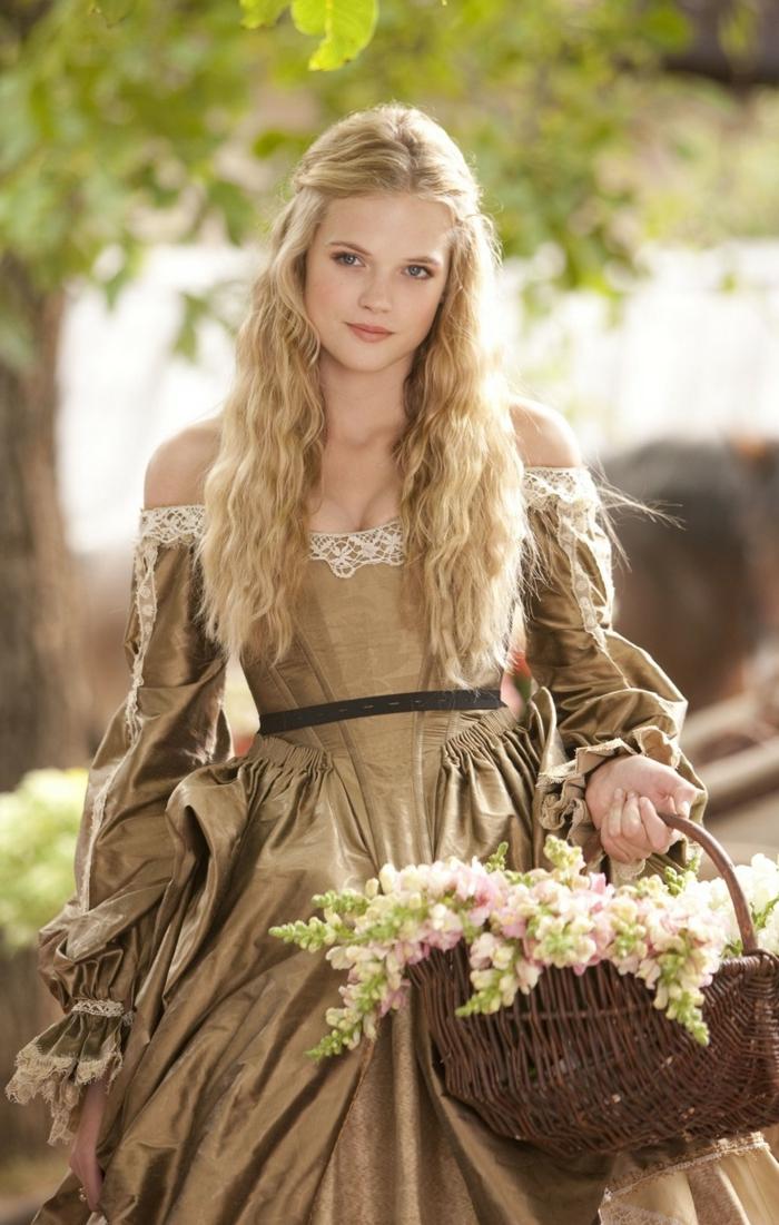 preciosas ideas de peinados medievales pelo suelto, larga melena rizada, semirecogidos inspirados en la época medieval