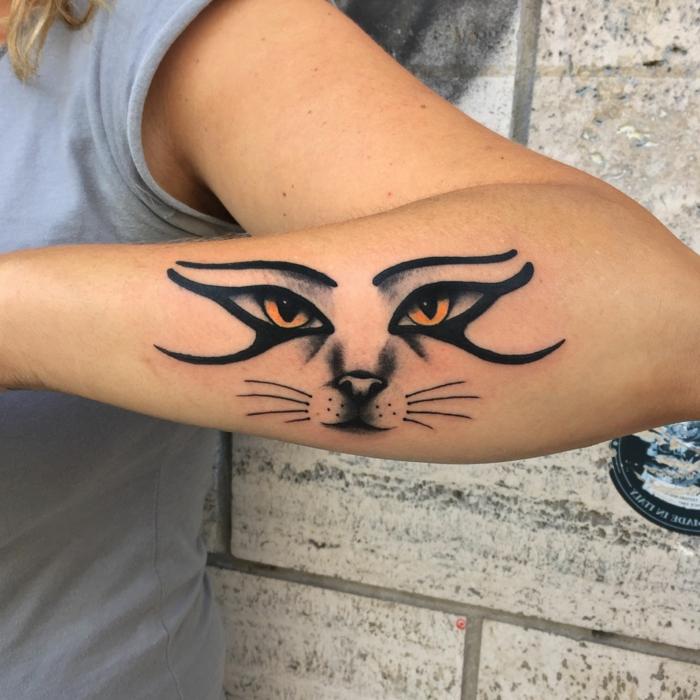 tatuajes originales con diseños de tatuajes con el ojo de Ra, diseños de tatuajes en el antebrazo con una fuerte simbologia