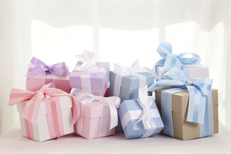 lista de regalos personalizados para bebés, regalos para recien nacidos utiles y originales, qué regalar a un bebé recién nacido