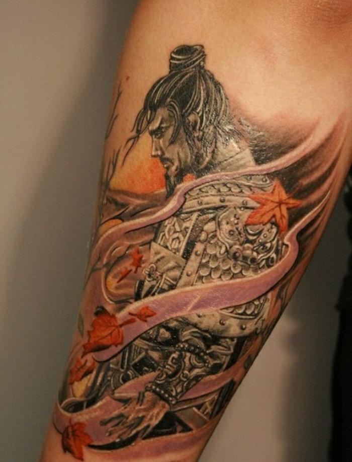 bonitas ideas e tatuajes antebrazo hombre, tatuaje samurai en el antebrazo, diseños de tattoos unicos para hombres y mujeres