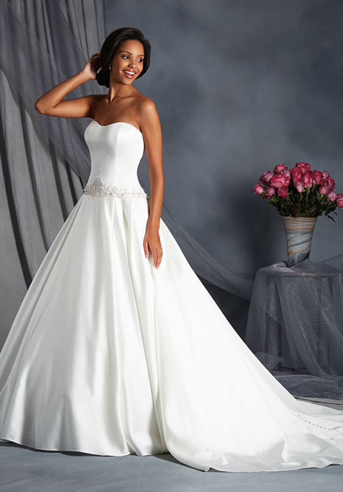 vestido corte princesa color blanco pulcro, los mejores diseños de trajes de novia 2019, vestidos blancos sin mangas