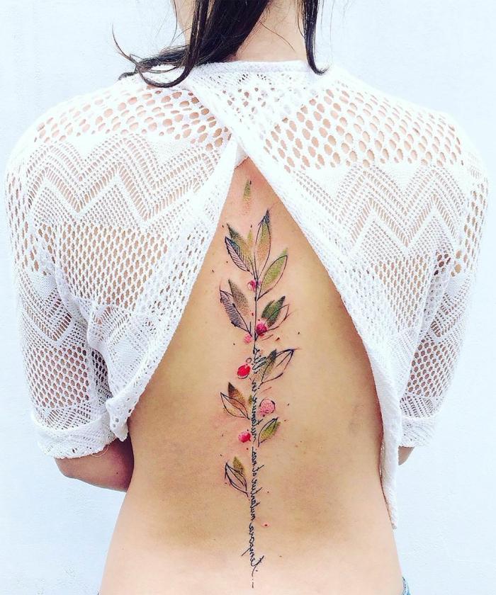 imagines de tatuajes inspirados en Japón, simbolos tatuajes originales, tatuajes con flores bonitos, diseños de tattoos unicos