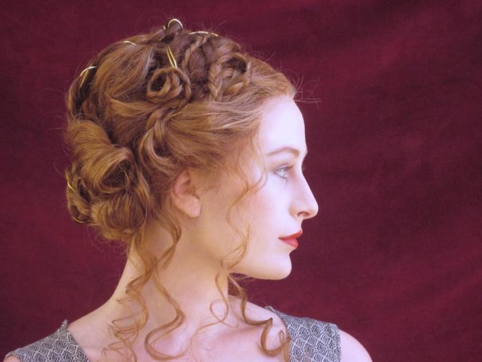 recogidos bonitos con bollos y trenzados, fotos de recogidos y semirecogidos medievales, los mejores ejemplos de recogidos de novia