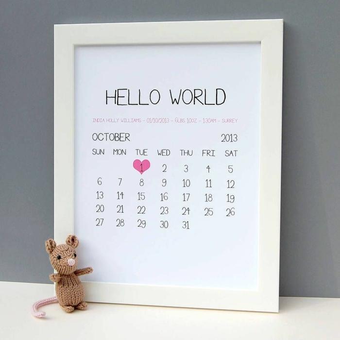 cuadro decorativo personalizado con un calendario y la fecha de nacimiento del bebé, ejemplos de regalos para bebes recien nacidos