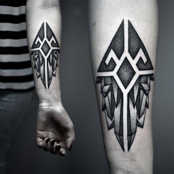 super originales diseños de tatuajes para hombres, tattoos simbolicos atractivos, fotos de tatuajes, símbolos para tatuajes