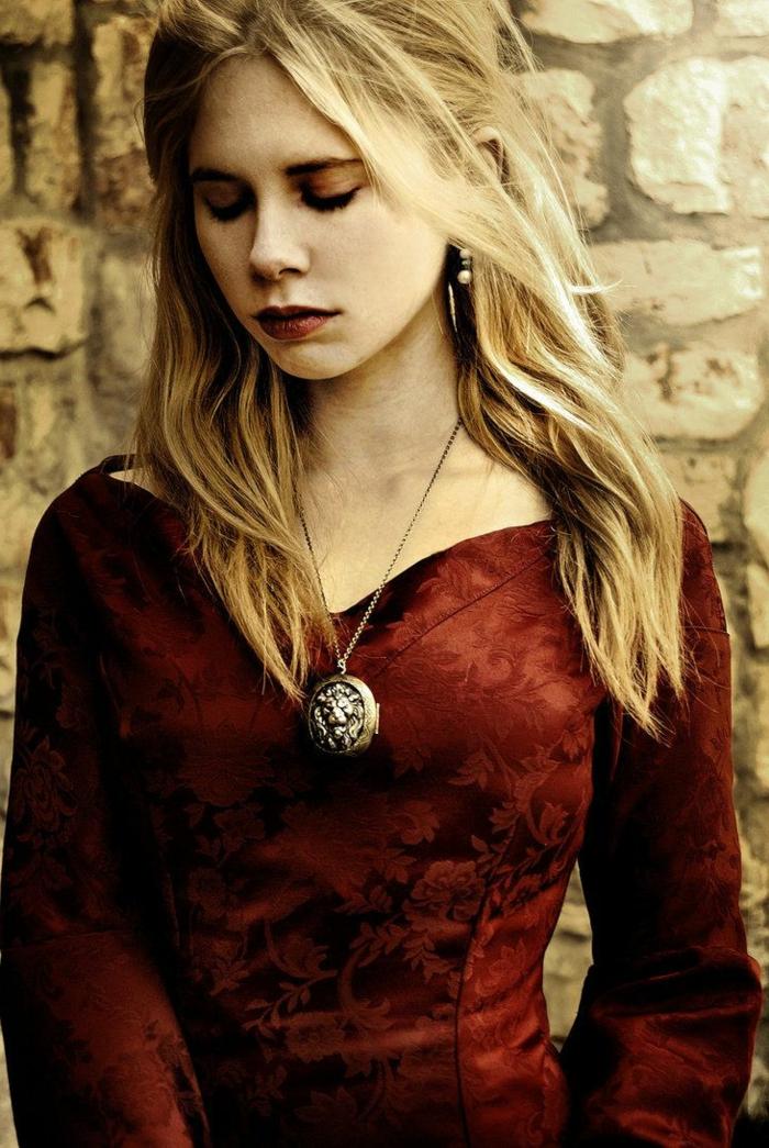 bonitos semirecogidos pelo ligeramente ondulado, como hacer peinados medievales originales, fotos de peinados bonitos