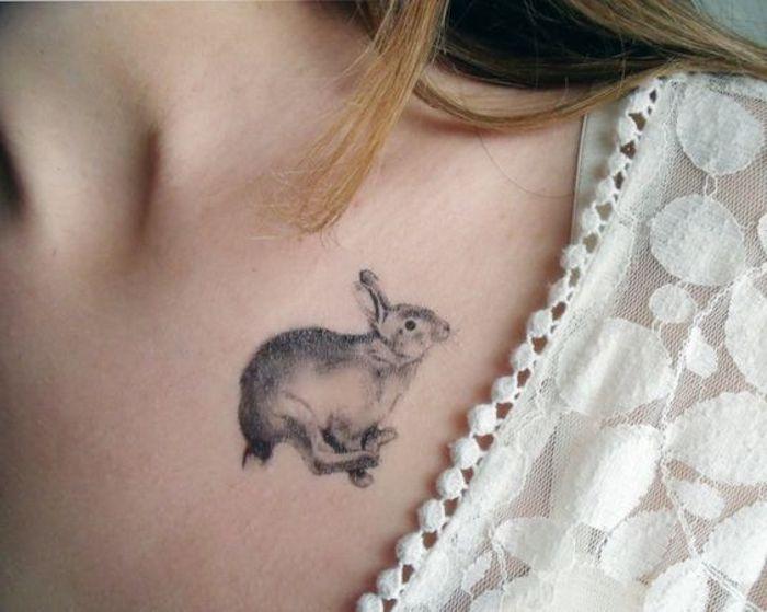 tatuajes de animales minimalista, que significa tener un tatuaje de conejo, dibujos para tatuajes bonitos en preciosas fotos