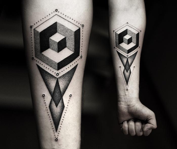 tatuajes maories con elementos geometricos, tatuajes con figuras geométricos en el anterbazo, tattoos geométricos