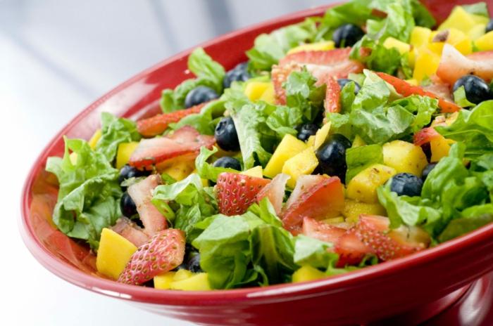 ensaladas de frutas y verduras ricas, nutritivas y frescas, ideas de comidas ligeras para el verano, que comer para adelgazar