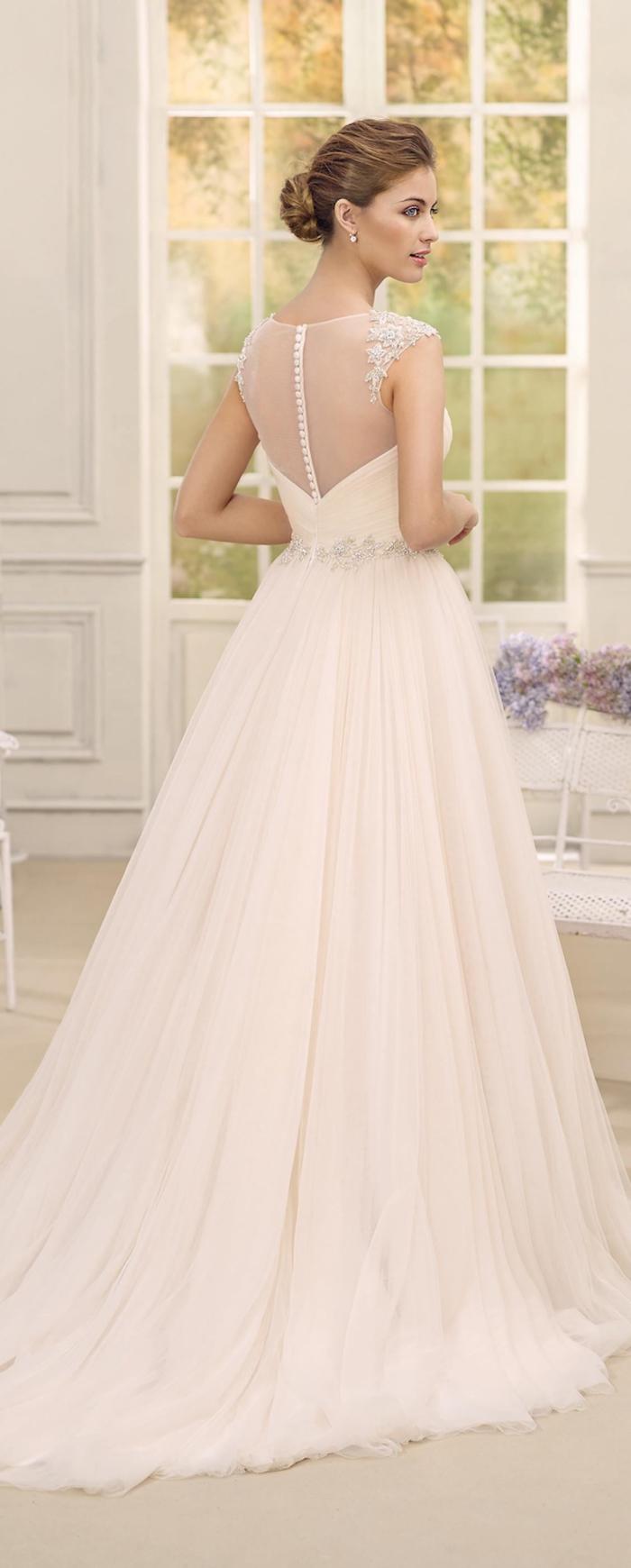 elegante y romántico vestido, vestido de novia color rosado con espalda de tul transparente, vestidos de novia bonitos y elegantes