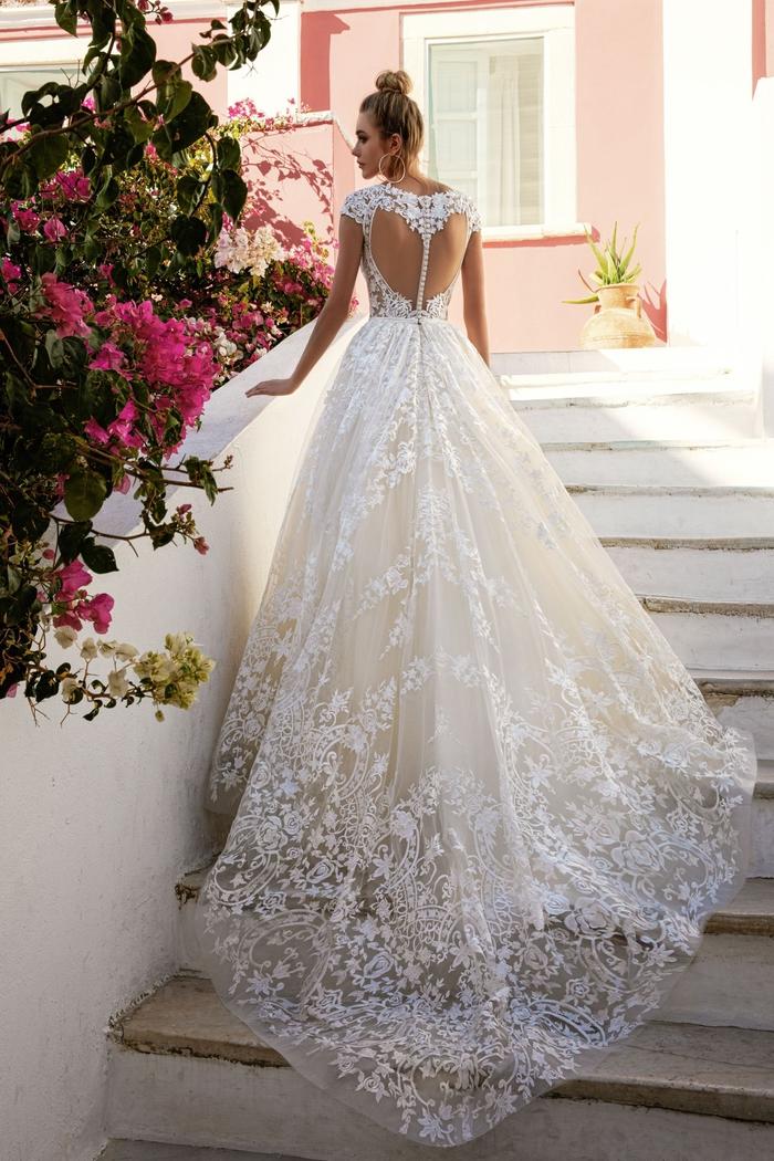 los diseños de vestidos de boda más originales y bonitos, vestido novia encaje, originales propuestas de vestidos de encaje y bordados