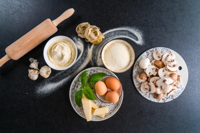 cuales son los ingredientes para hacer pasta casera, fotos con ideas sobre como preparar platos bajos en calorias