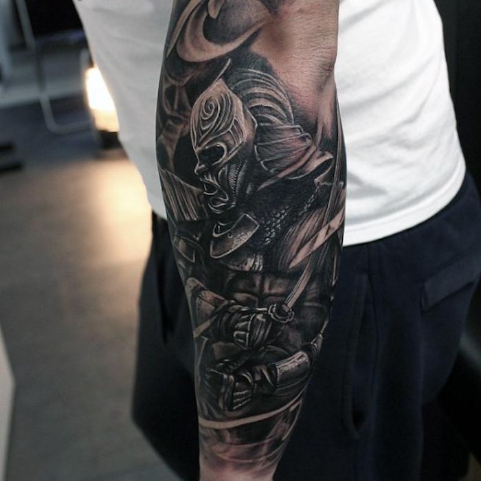 antebrazo entero tatuado, diseños de tattoos en estilo realsita, tatuajes para hombres unicos, diseños de tattooo hombre
