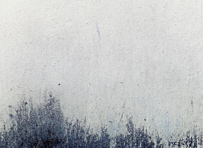 originales ideas imagines de fondo abstractas, pared pintada en color gris con manchas de color, imagines para fondo de pantalla