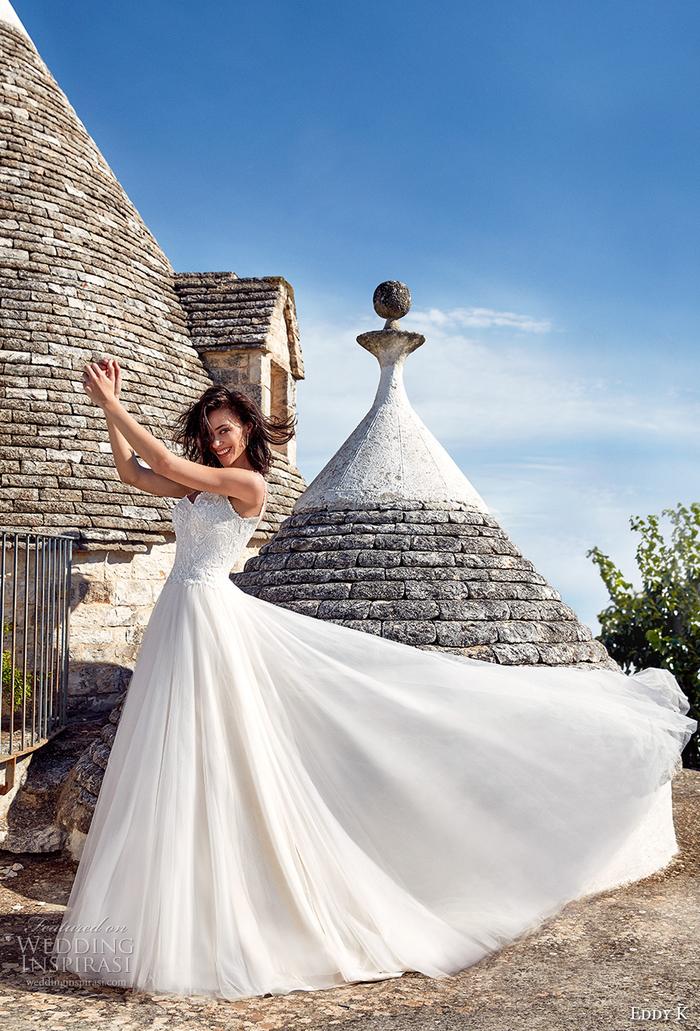 vestidos de novia color blanco pulcro, vestidos corte sirena novia y corte princesa, vestidos de novia románticos y elegantes