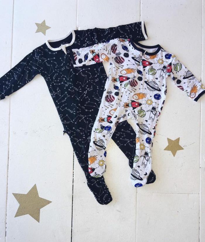 pijamas personalizadas para bebé niño, pijamas estampados astronautas, regalos para bebes recien nacidos, lista de regalos para bebés