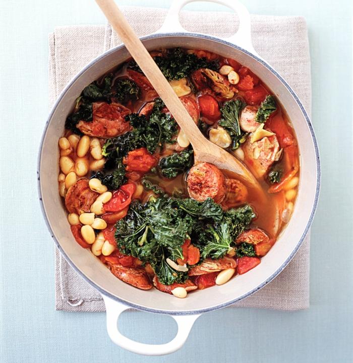 caserola con frijoles, carne, col rizado y tomates, ideas de recetas faciles y sanas, como adelgazar paso a paso, recetas saludables