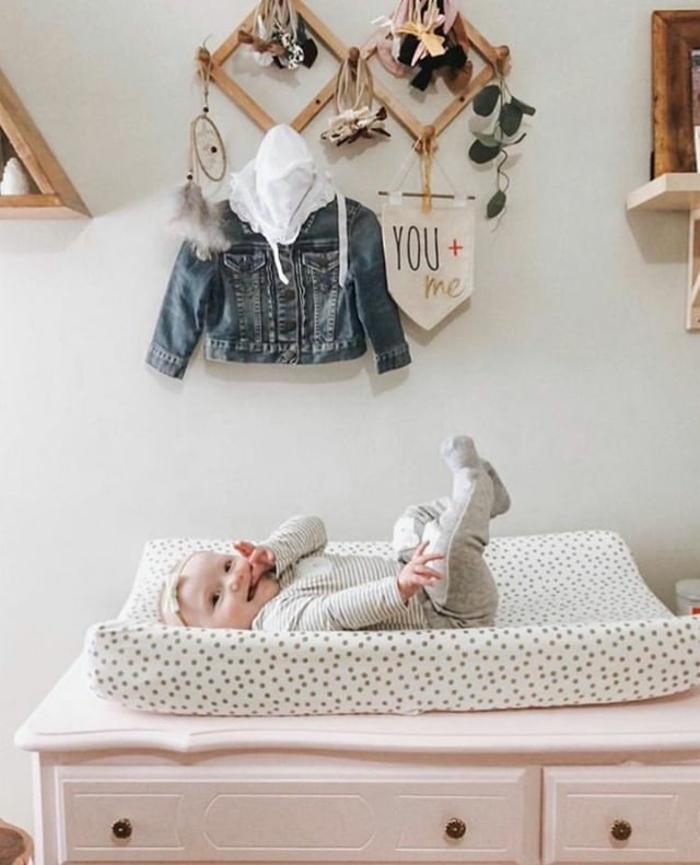cuáles son las mejores ideas de regalos para bebés pequeños, que regalar a un recien nacido, originales ideas para comprar
