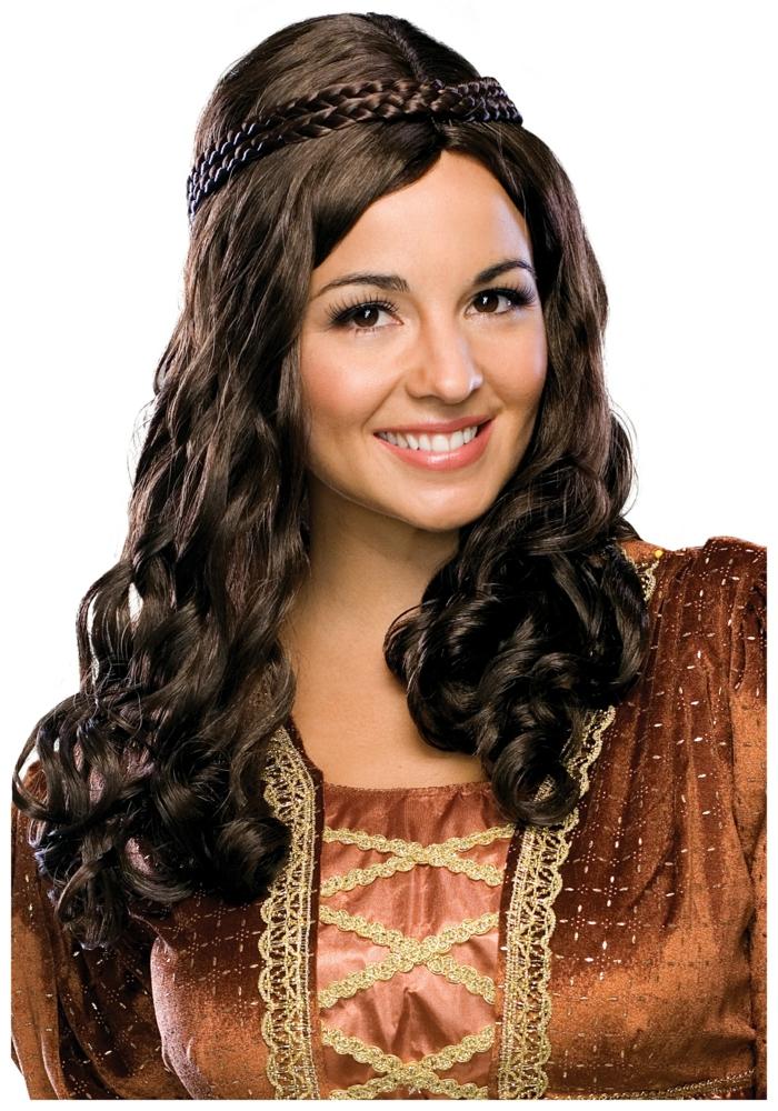 originales ideas de semriecogidos medievales, cabellera larga rizada, cabello color chocolate con bonitos rizos y trenzas