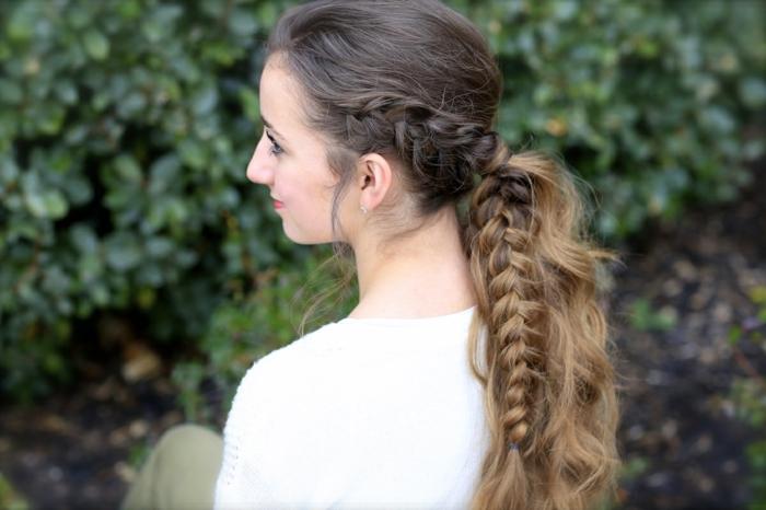 precioso recogido con trenzas, como hacer peinados medievales originales, melena larga con trenzas, cabello mechas balayage