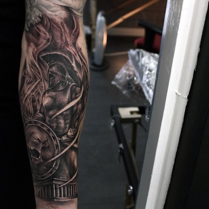tatuaje en estilo 3 D; tattooo guerrrero, tatuajes antebrazo hombre, los mejores ejemplos de tatuajes varoniles
