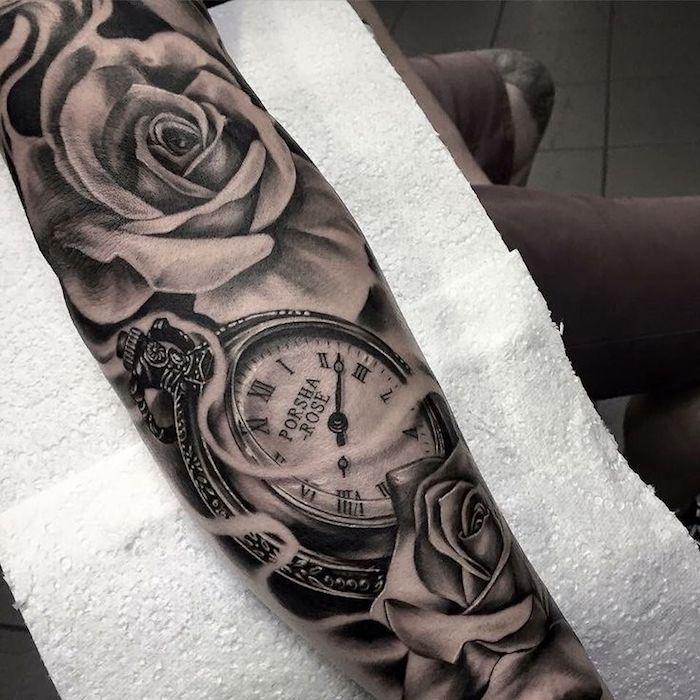 los mejores diseños de tatuajes old school con rosas, motivos de tatuajes en estilo vintage, ideas de tatuajes antebrazo hombre
