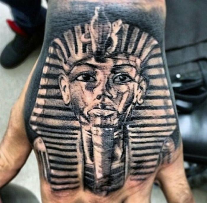 tatuajes en la mano originales con faraones, simbología de los tattoos egipcios, diseños de tattoos que inspiran en imagines