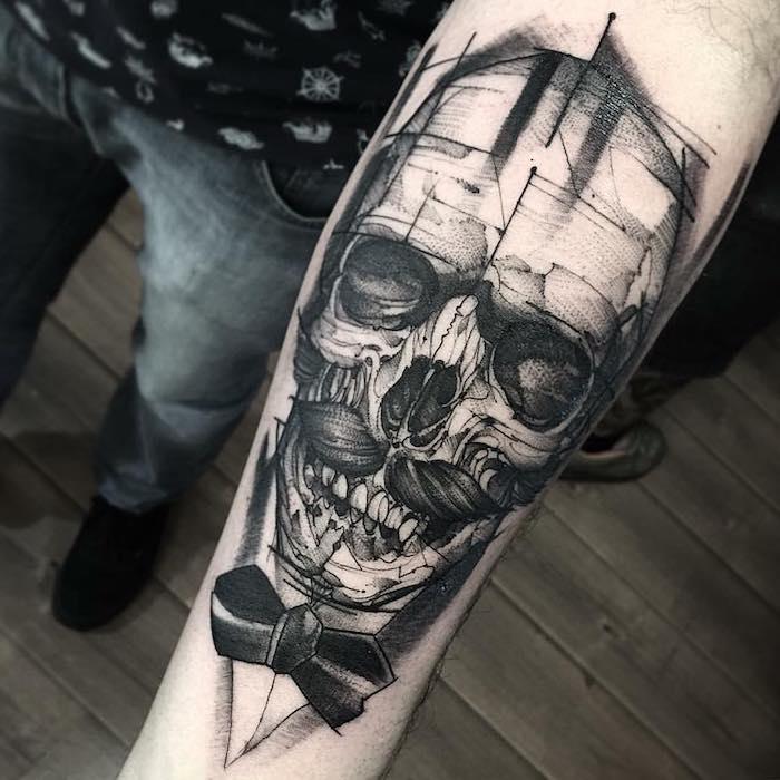 tatuajes antebrazo hombre, tatuaje calavera en el brazo, diseños de tatuajes grandes en el antebrazo, tatuaje calavera