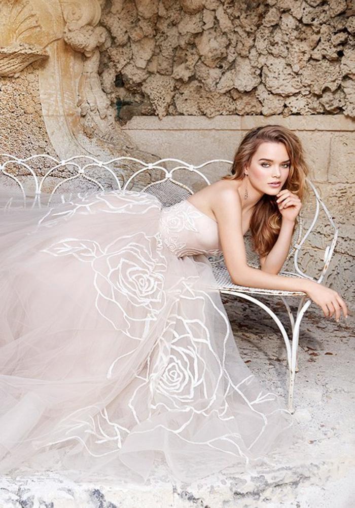 vestido novia tul color rosado con bordados color blanco, vestido novia princesa, los mejores diseños de vestidos