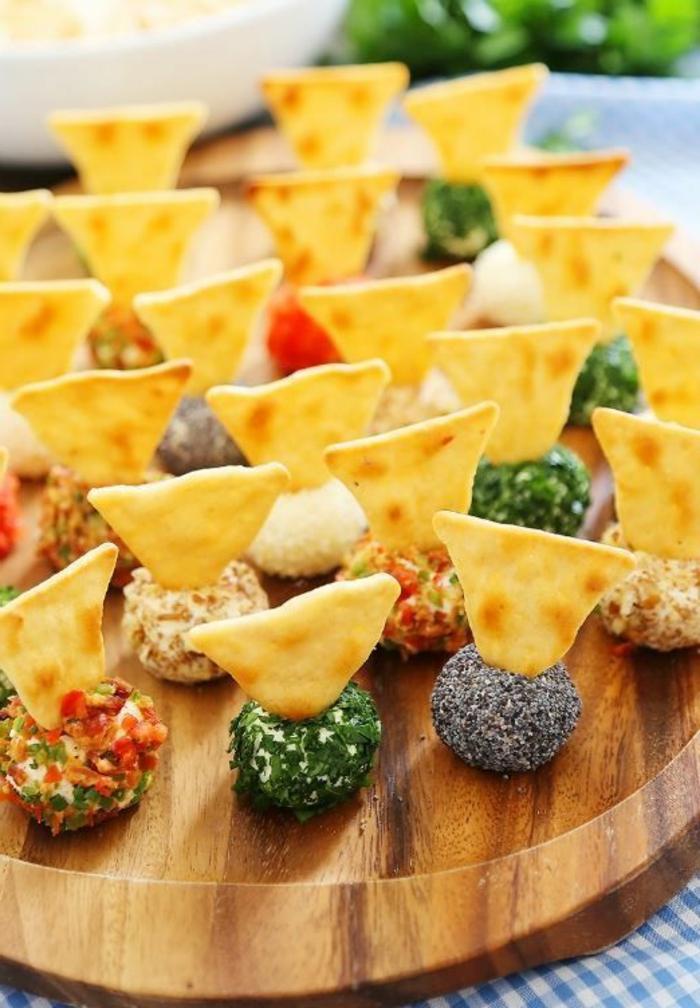 aperitivos faciles y elegantes en fotos, bolas de queso con especias y semillas de chia, como hacer entrantes ricos paso a paso