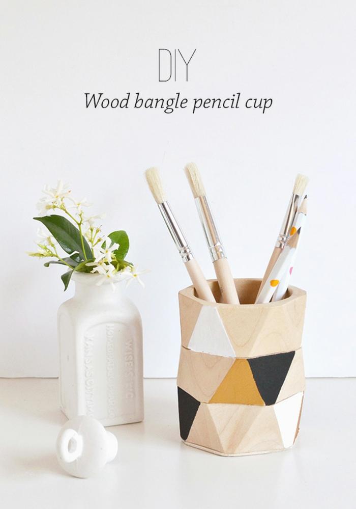 decoración de casa con elementos decorativos hechos a mano, ideas de manualidades de madera originales paso a paso