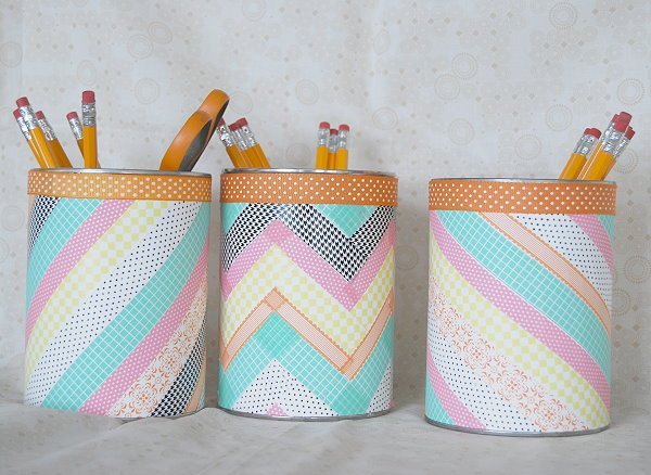 ideas de manualidades primaria fáciles con materiales reciclados, latas decoradas con washi tape en colores pasteles
