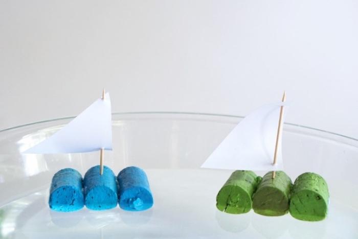 ejemplos originales de manualidades primaria, barcos de plastilina hechos a mano, ideas de manualidades con reciclaje