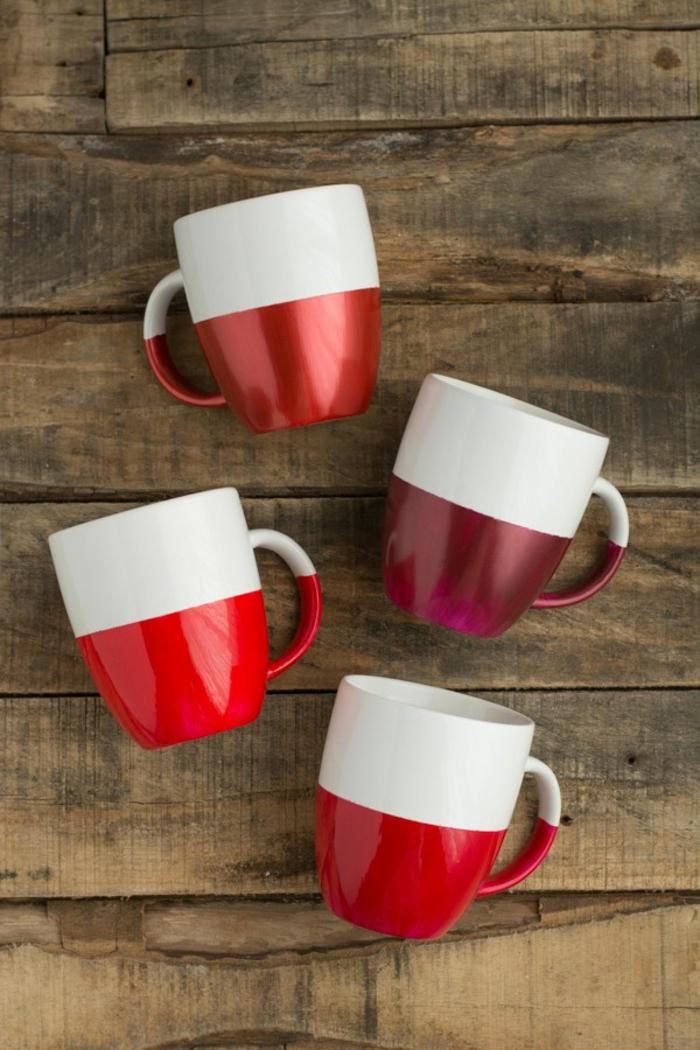 ideas de regalos hechos a mano, tazas color blanco con detalles en rojo, manualidades para niños faciles y rapidos