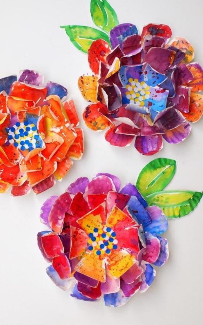 como hacer flores de papel, originales ideas de manualidades de papel, manualidades para niños de primaria para hacer en casa