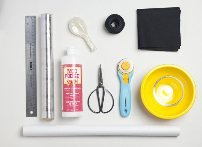 materiales necesarios para hacer manualidades, pegamiento mod podge, cortador, hilo, cuencos pequeños, manualidades para hacer en casa