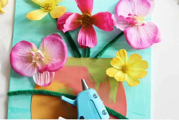 manualidades para regalar paso a paso, regalos para profesores hechos a mano, cuadro decorativo con flores artificiales