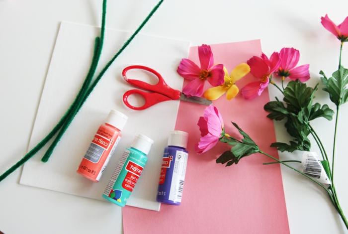 materiales necesarios para hacer cuadros decorativos únicos con flores artificiales, dedicatorias para profesores y regalos DIY