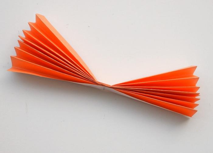 como hacer una flor origami de papel, manualidades para niños de primaria faciles y divertidas, proyectos DIY niños