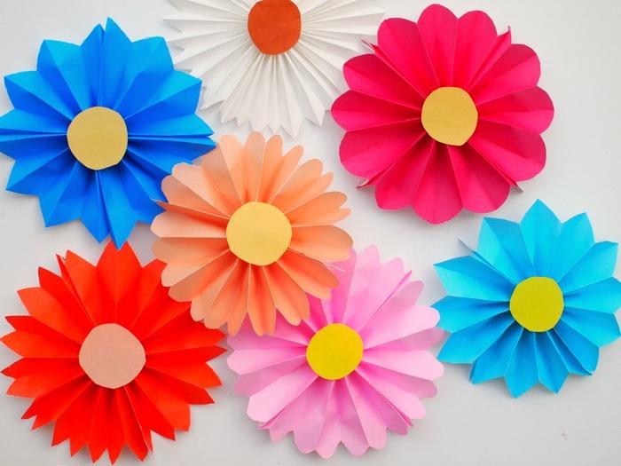 manualidades para niños de primaria con papel, manualidades para niños de 6 a 12 años originales, fotos con ideas de manualidades para decorar la casa para niños y adultos