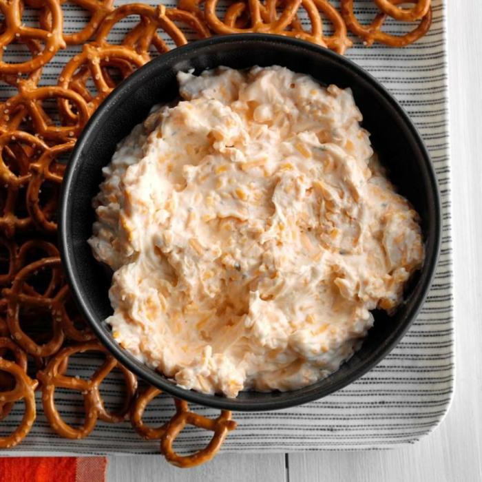 como hacer un dip para cerveza rico con mayonesa y yogurt, aperitivos frios originales, ideas sobre recetas caseras fáciles