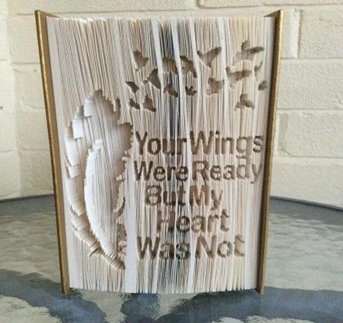 creaciones unicas con pledago de libros, ejemplos de obras de arte con páginas de libro plegadas, tutoriales en videos