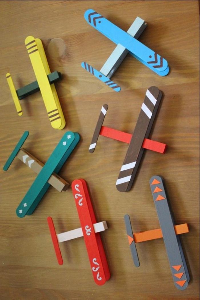 manualidades para niños de primaria faciles paso a paso, super originales ideas de manualidades primaria con reciclaje, aviones de palitos de helado, manualidades con reciclaje