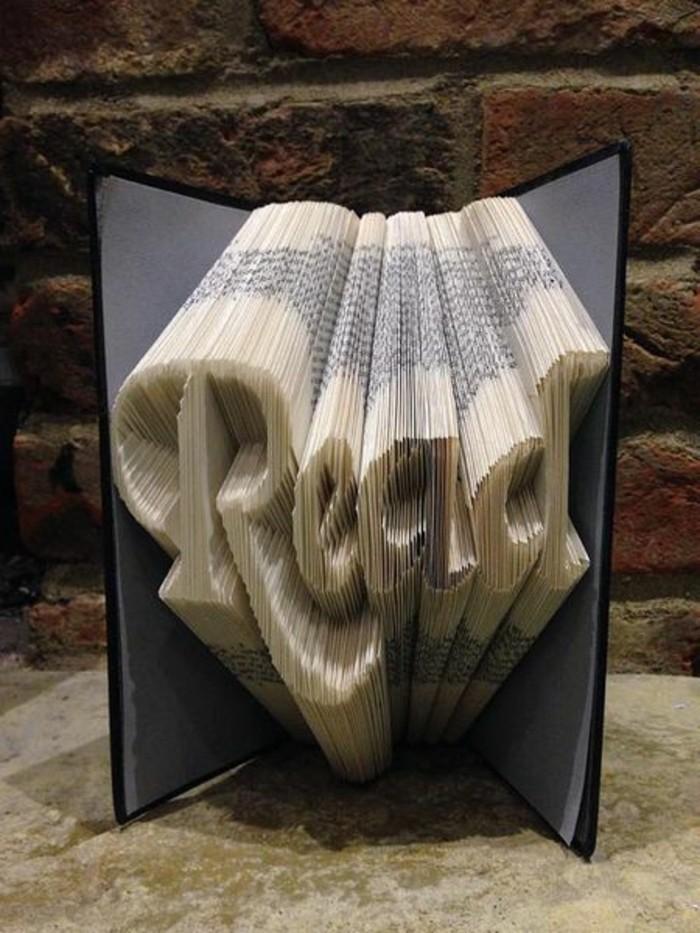 ideas únicas de libro de artista, detalles decorativos para decorar tu casa, ideas de manualidades para regalar, 85 ejemplos de libros con plegado