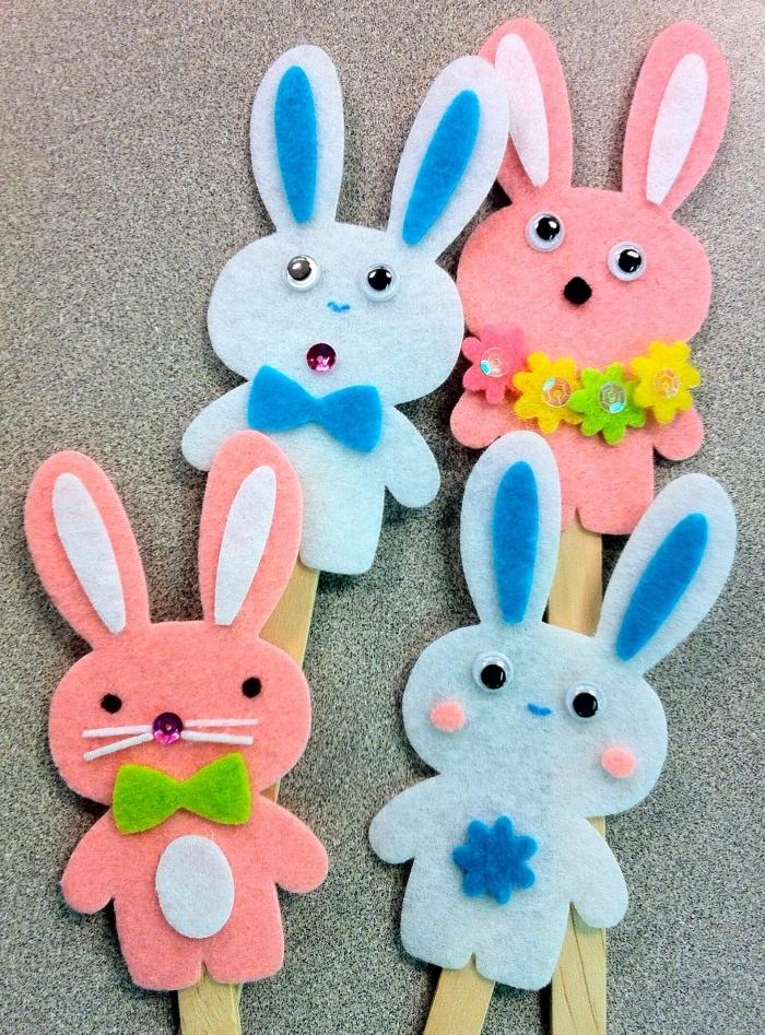 manualidades de fieltro para niños pequeños, conejos de fieltro simpaticos, manualidades para niños de 3 a 5 años